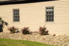 landscaping-around-garage-to-match-landscaping-around-the-house